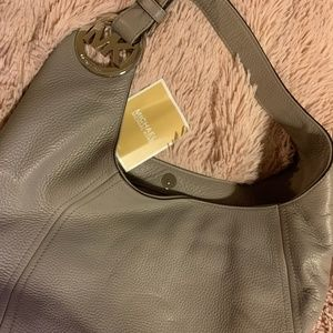 NWT Michael Kors Fulton Leather Hobo in Pearl Gray